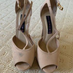 Steve Madden Platform Nude Heels/Pumps Size 36